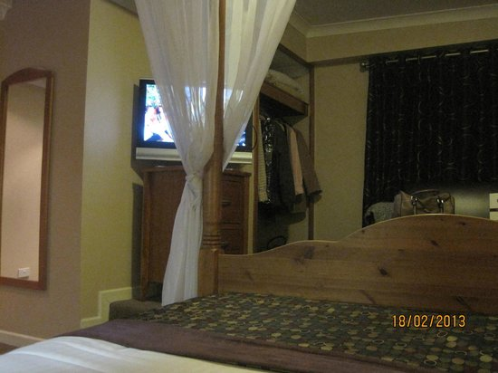Springhill Court Conference, Leisure & Spa Hotel: View of the TV from the bed!!