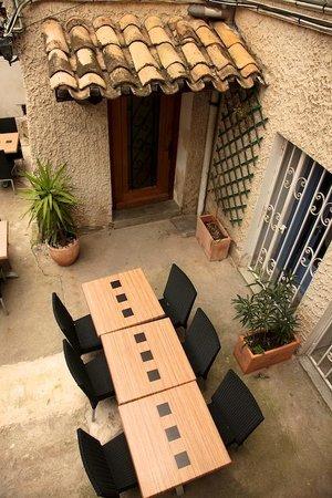 Hotel Moderne : patio ombragé