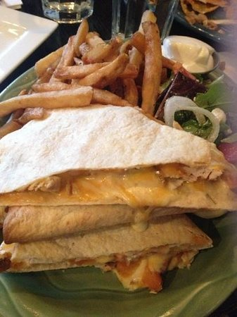 Utopia Cafe & Grill : sweet potato and chicken quesadilla