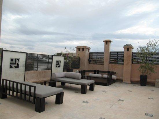 Villa Makassar: roof terrace and sun loungers