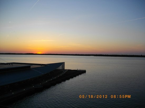 Sheraton Erie Bayfront Hotel: sunset from our room