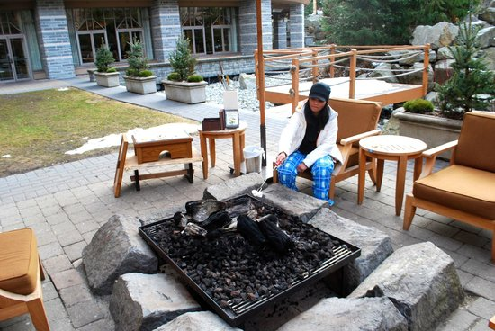 Four Seasons Resort and Residences Whistler: making smores