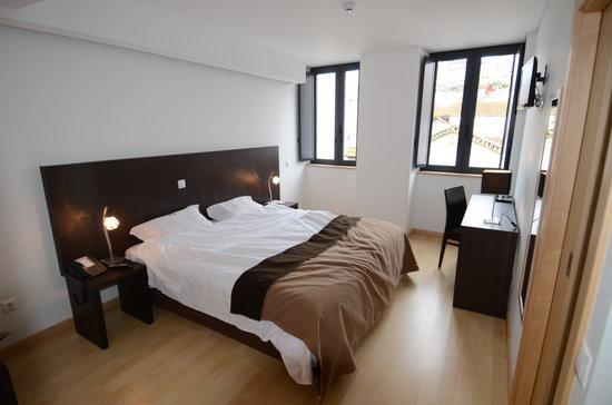 Hotel Vitoria : Chambre