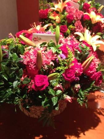 InterContinental Johannesburg Sandton Towers: The hotel sent flowers to the hospital where I had surgery this week. Such a warm and beautiful