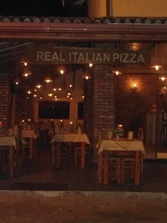 Real Italian Pizza: aaaaaaaaaaaa