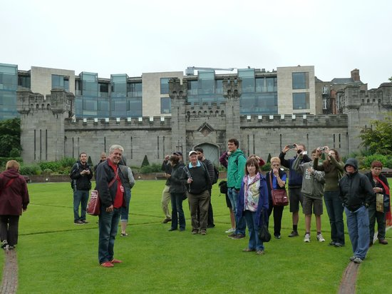 Historical Walking Tours of Dublin : Walking Tour - Our guide