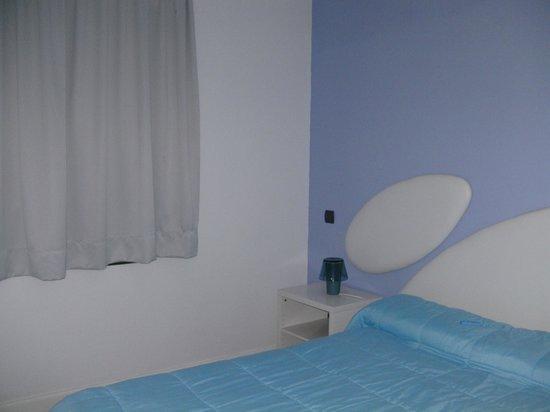 Apartamentos Judoca Beach: mooie slaapkamer