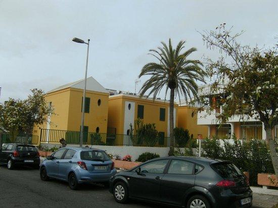 Apartamentos Judoca Beach : uitzicht vanaf buiten