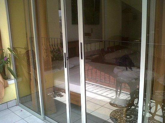 Hotel Arenal Jireh: Terraza de la habitación N° 8.
