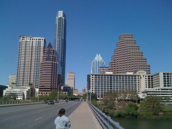Radisson Hotel & Suites Austin Downtown: Hotel at end of bridge on Right -