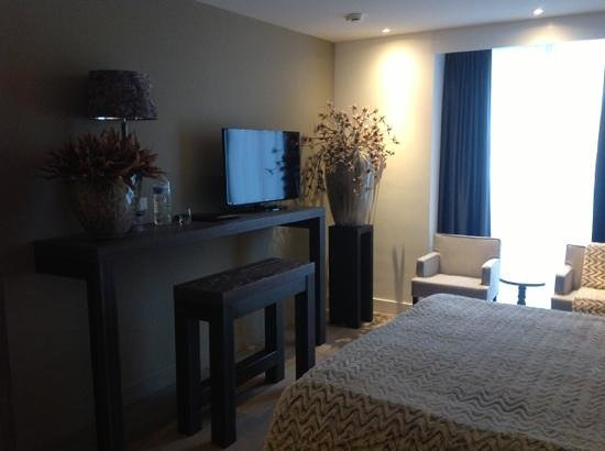 Hotel De Beurs: room
