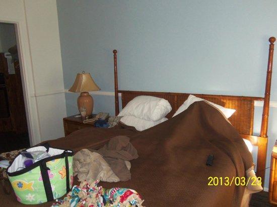 Laguna Beach Lodge: King Bed
