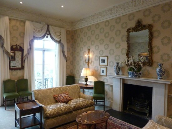 The Grange Hotel: The Library