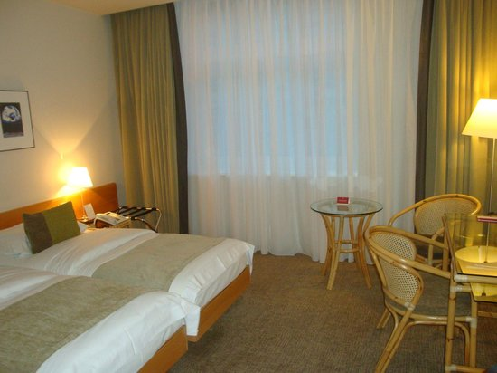 K+K Hotel Fenix: Doppelzimmer /auch zur Alleinbenutzung