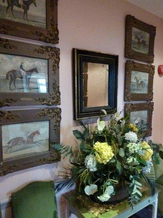 The Grange Hotel: The corridor themed walls