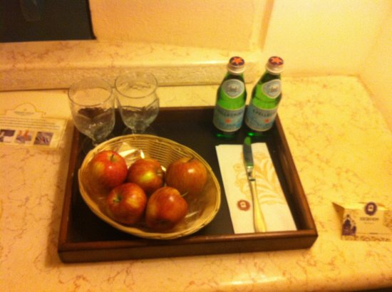 Herods Vitalis Spa Hotel Eilat: Complementary treat on our first day
