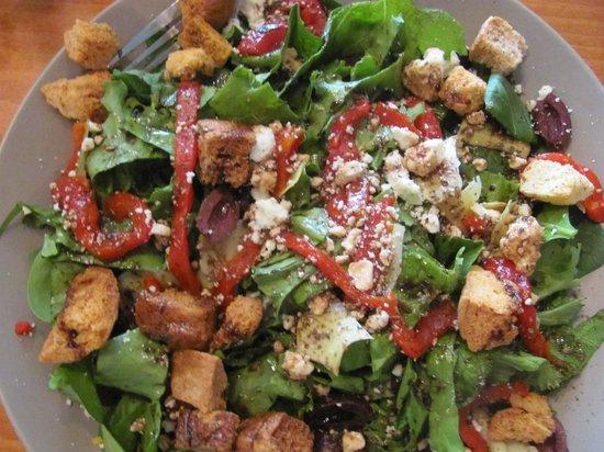 Southwind Pizza: Wonderful Mediterranean Salad