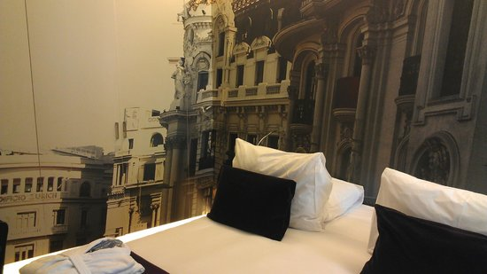 Radisson Blu Hotel, Madrid Prado: The room.
