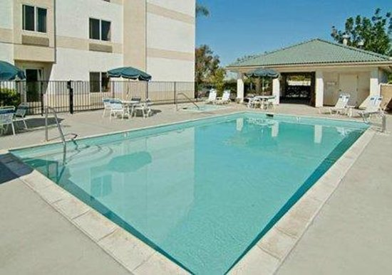 Quality Suites Otay Mesa: Outdoor Pool