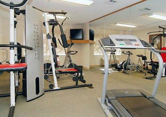 Quality Suites Otay Mesa: Fitness room