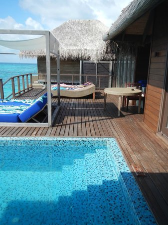 Coco Bodu Hithi: Terrasse of the water villa residence