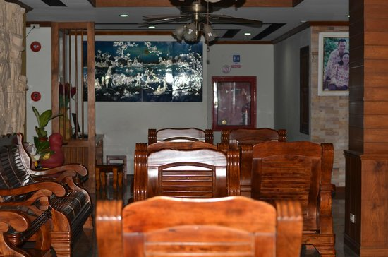 Amata Patong: entree salle