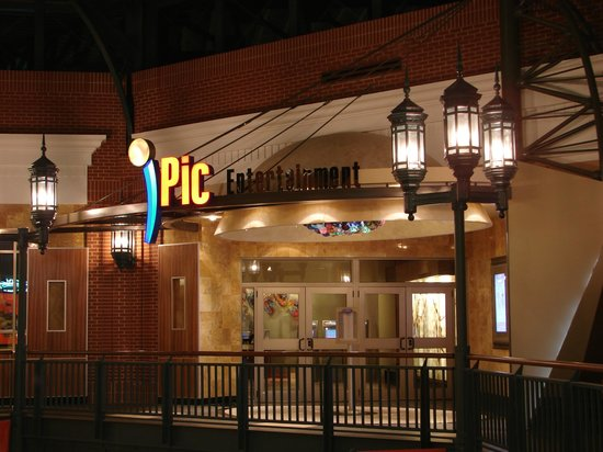 Glendale, WI: Welcome to iPic Theaters!