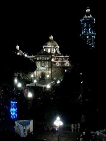 Hotel Royalty Centro : La vista de noche