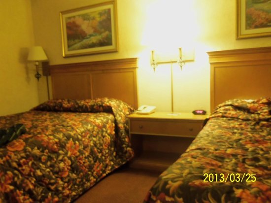 The Buena Park Hotel & Suites: Housekeeping is thorough