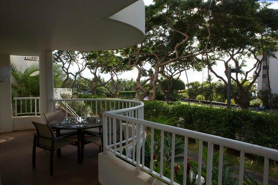 Fairmont Kea Lani, Maui: Wrap-around Pation from Living Room