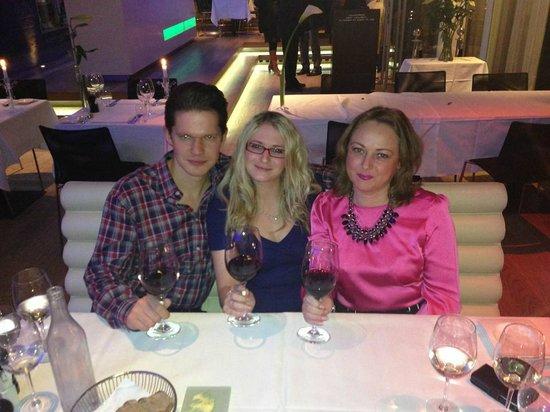 Os tre på Mortens Kro