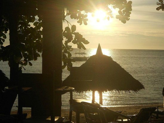 Easy Diving and Beach Resort: tramonto