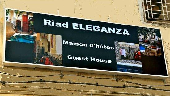 Riad Eleganza Fes : Panneau du riad