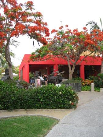 The Grand Mayan Nuevo Vallarta: Asian Restaurant-slow service!