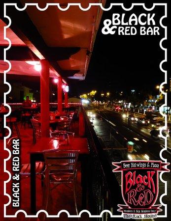 Black and Red Bar: Tenemos muy buena ubicacion, ven a visitarnos