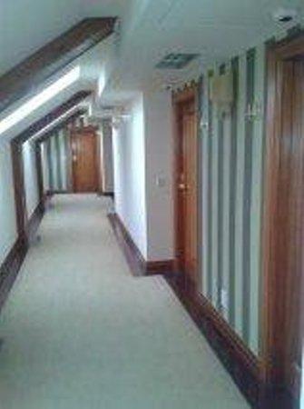 Augusta Spa Resort: pasillos 4ª planta