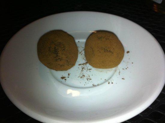 Restaurante Epicure: Free dessert - yum!