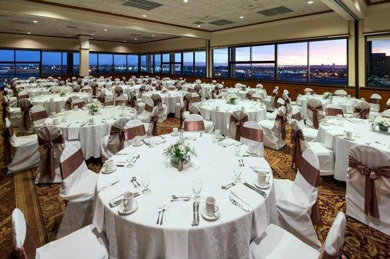 Sheraton Denver West Hotel: City Lights Ballroom -- Social Set