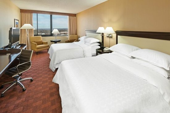 Sheraton Denver West Hotel: Double Queen Bedded Room