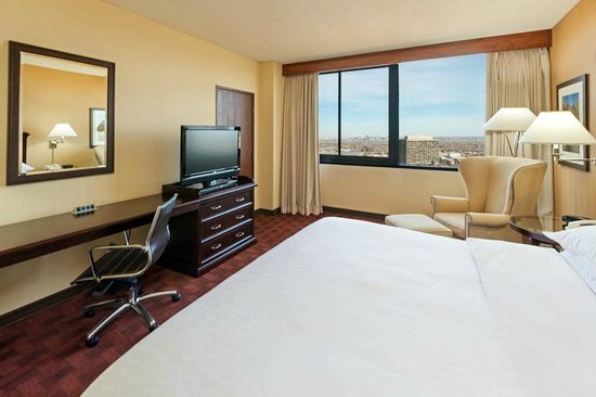 Sheraton Denver West Hotel: King Room
