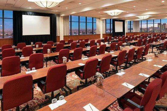 Sheraton Denver West Hotel: Lakewood Ballroom -- IACC Classroom Set
