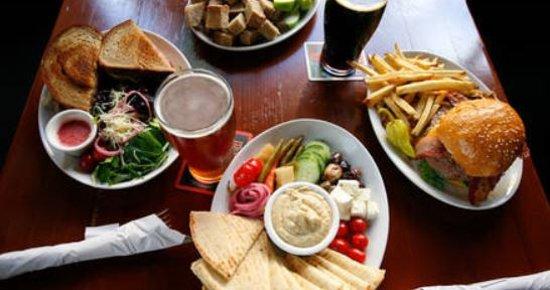 Mc Menamins Sherwood Pub: food and beer