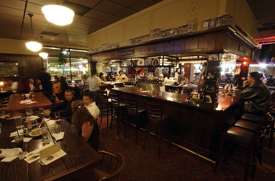 Mc Menamins Sherwood Pub: Sherwood Pub Bar