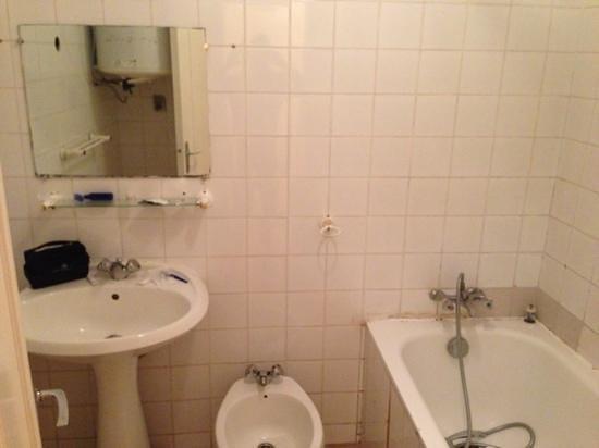 Hotel Palm Beach: a bathroom from the 1970's?