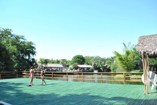 Biocentro Guembe Mariposario: Una de las muchas piscinas!