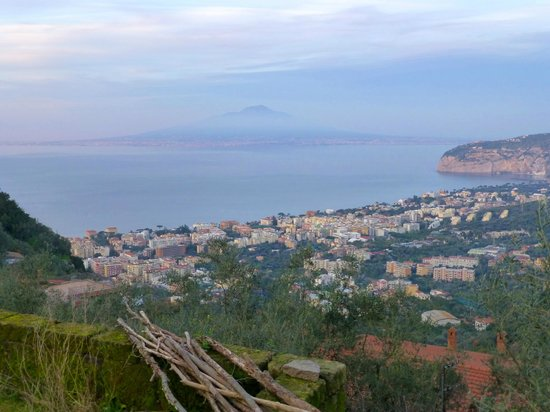 Casarufolo Paradise: View out over Sorrento and sea, Vesuvio