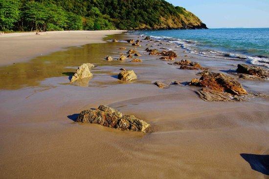 LaLaanta Hideaway Resort: Beach