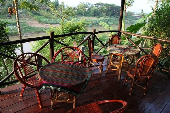 Thongbay Guesthouse: Balcony