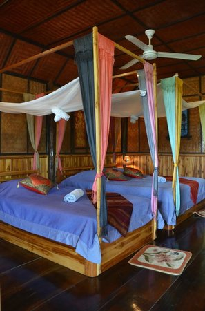 Thongbay Guesthouse: Bedroom