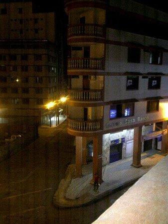 Hotel Cordillera: vista de noche desde el balcon